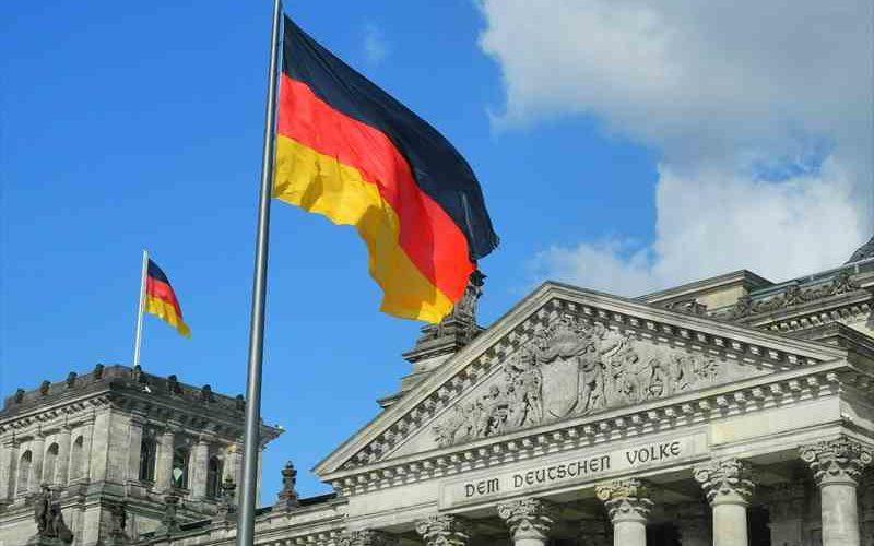 ドイツから日本への送金で手数料が安いのはPOSTBANK?