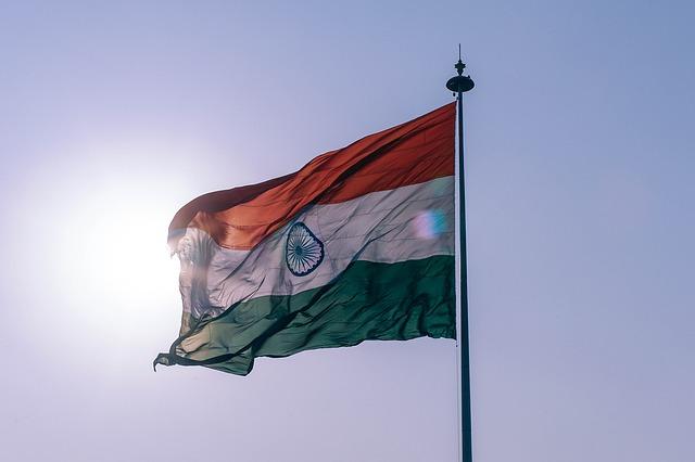 日本からインドへの送金に手数料が安い銀行はどこ?